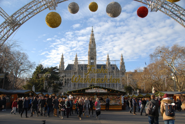ChristmasMarketVienna0880
